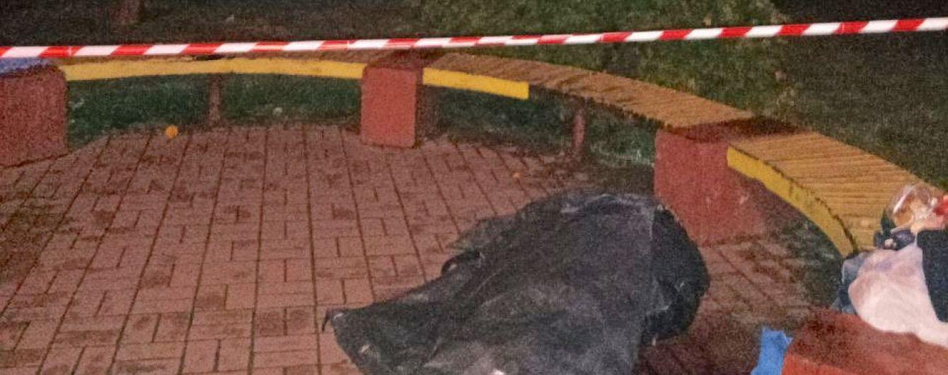 В Киеве бездомный зарезал свою подругу