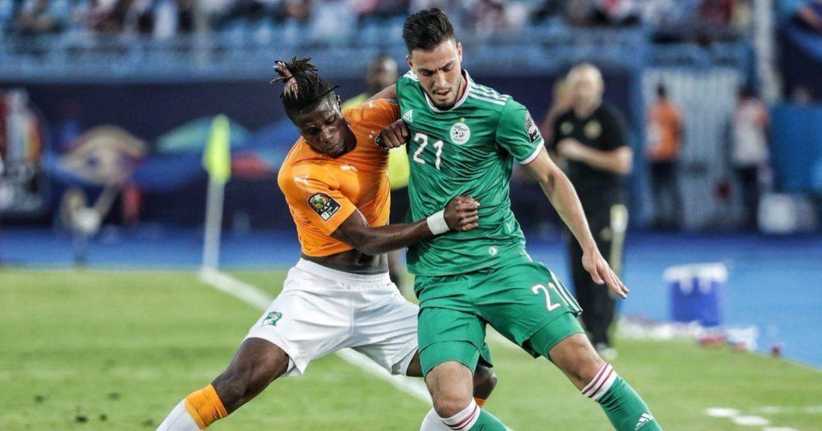 Бог симуляции. Алжирский футболист подлым трюком хотел заработать удаление для соперника