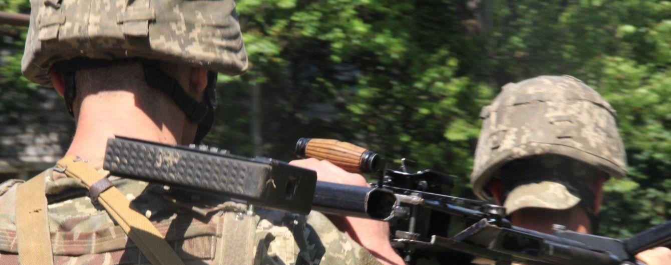 На передовой ранения получили двое украинских бойцов. Ситуация на Донбассе
