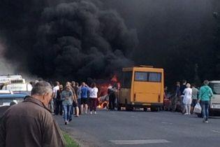 В масштабной аварии под Полтавой травмировались 5 человек, один из которых умер. Видео момента столкновения
