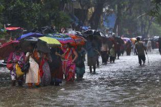 Масштабное наводнение в Индии: жертв становится все больше