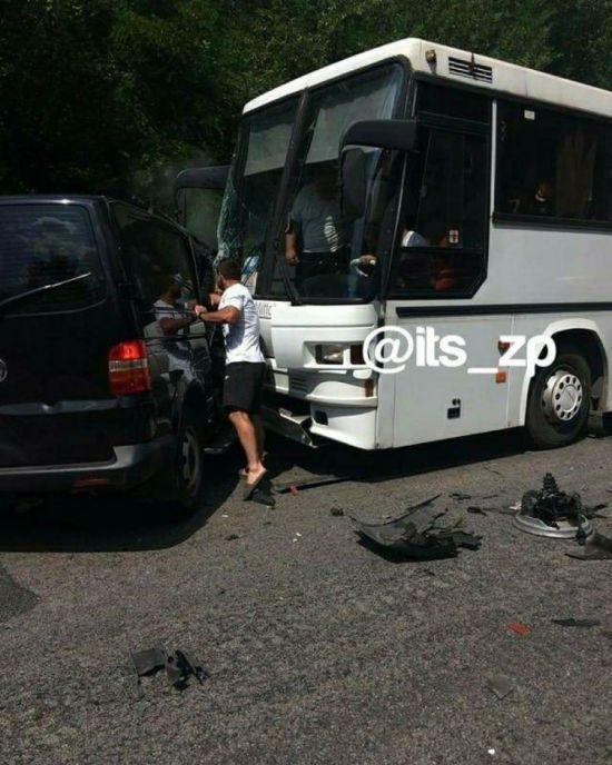 На Запоріжжі автомобіль Управління державної охорони потрапив у ДТП