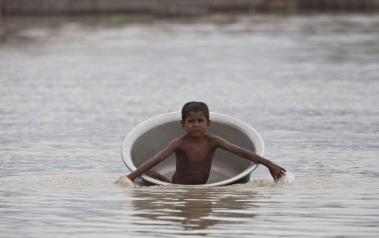 Сильний паводок у Непалі: загинуло щонайменше півсотні людей
