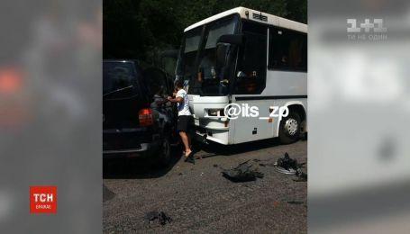 Авария с участием кортежа Зеленского и автобусов с детьми произошла в Запорожье