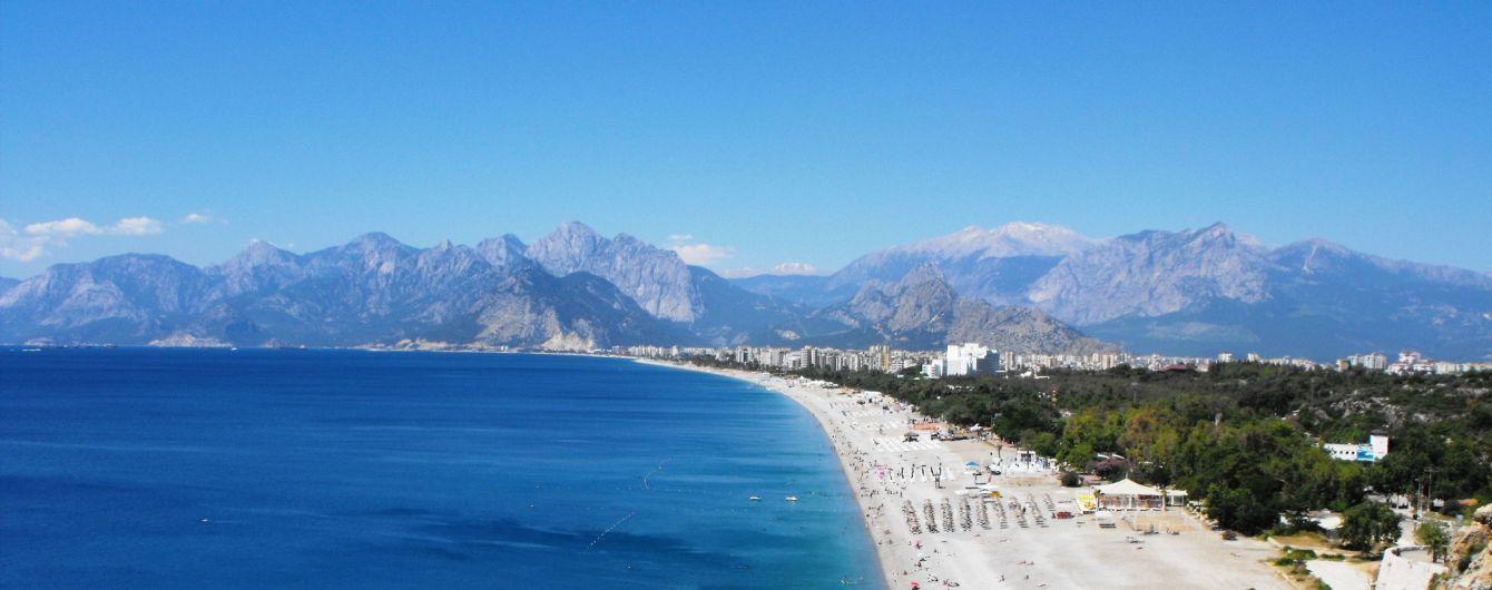 В Анталії стрімко зникає один із найпопулярніших серед туристів пляжів