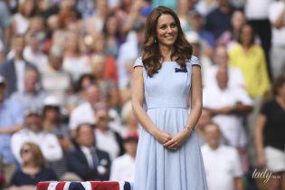 Какой нежный образ: герцогиня Кембриджская в голубом платье и вместе с принцем Уильямом на финале Уимблдона