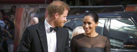"""Принц Гарри в костюме и элегантная Меган побывали на премьере картины """"Король лев"""""""