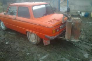 """Запорожец"" на дровах продают за 15 тысяч гривен"