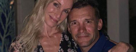 Шевченко милым фото с Кристен Пазик показал, как отпраздновал годовщину супружеской жизни