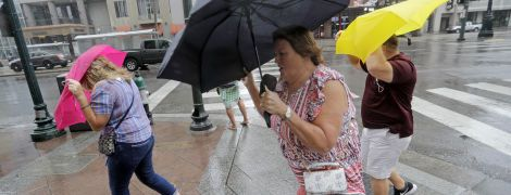Погода на середу: синоптики обіцяють потужні зливи та грози