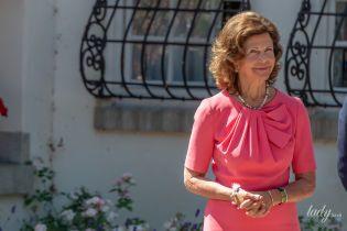 Ах, какая фигура: 75-летняя королева Сильвия в розовом платье на праздновании дня рождения ее старшей дочери