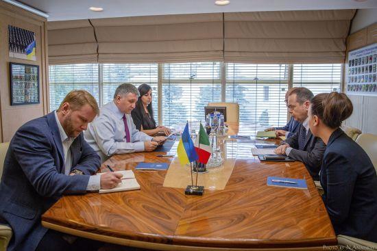"""Посол Італії пообіцяв Авакову """"знайти спільне рішення"""" у справі Марківа"""
