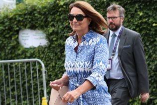 Надела почти мини: 64-летняя мама герцогини Кембриджской - Кэрол Миддлтон - на Уимблдоне