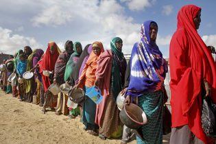 Каждый девятый человек в мире страдает от голода, а каждый одиннадцатый - от ожирения - ООН