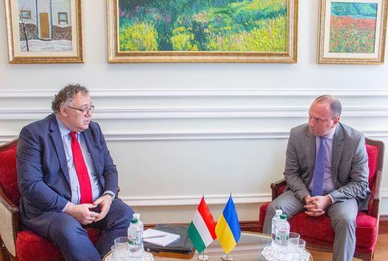 МЗС закликало Угорщину не втручатися в українські вибори