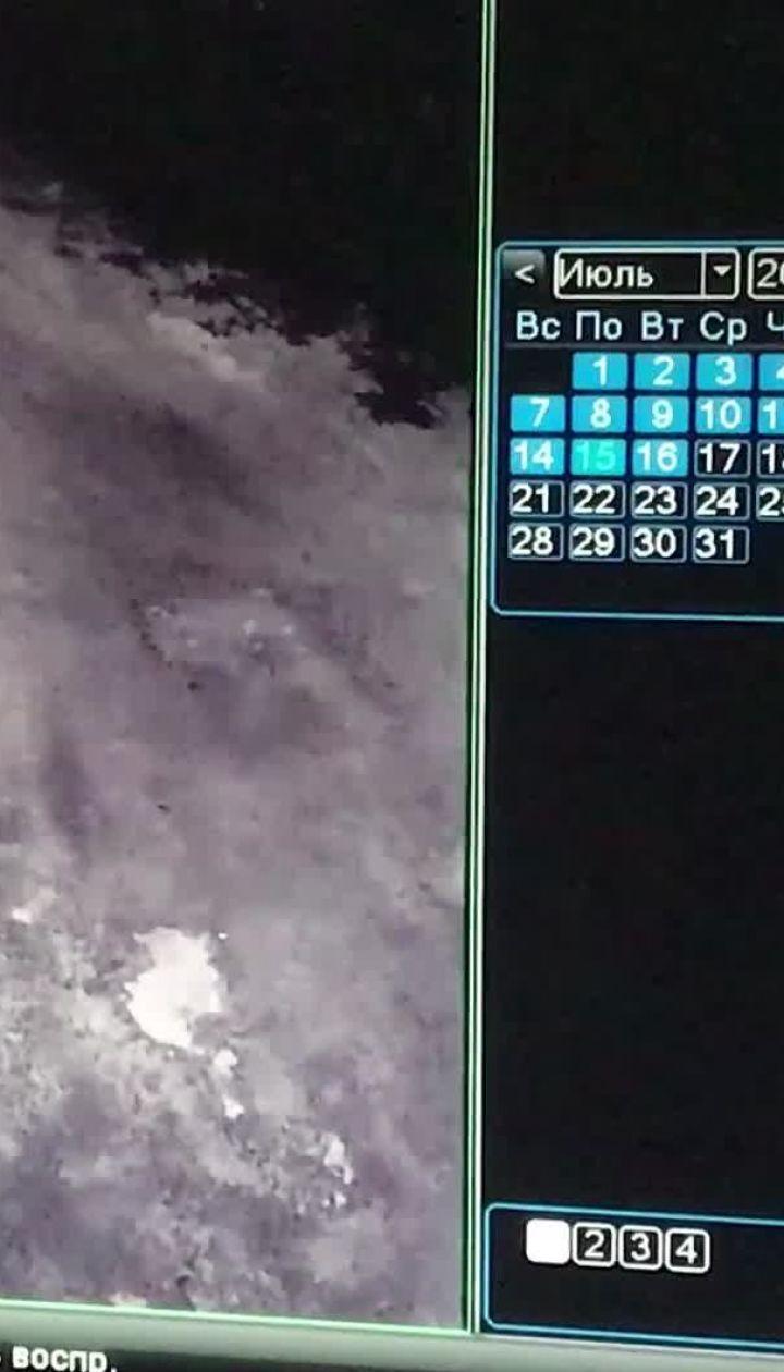 ТСН получила видео, как парень убегает после покушения на бывшую девушку
