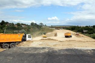 На Волині ремонтують важливе шосе у напрямку кордону із Польщею. Відео