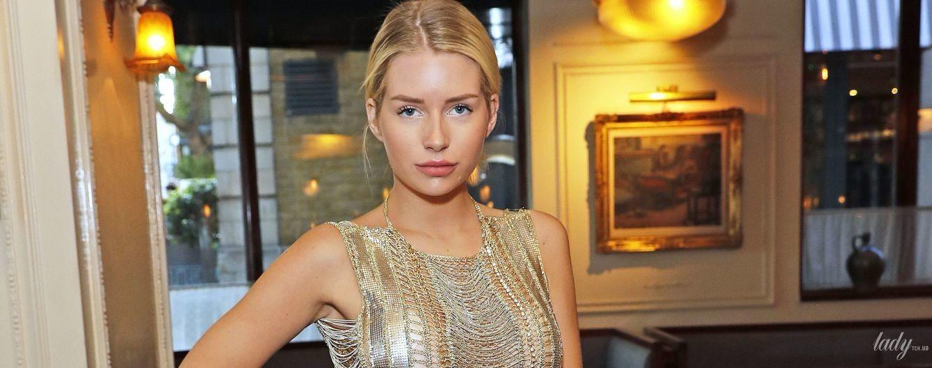 В мини-платье за 7 тысяч долларов: смелый образ Лотти Мосс на вечеринке