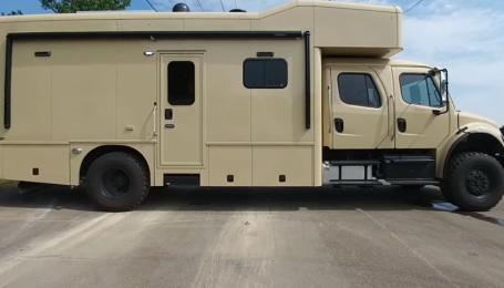 В Сети показали военный дом на колесах с роскошным салоном