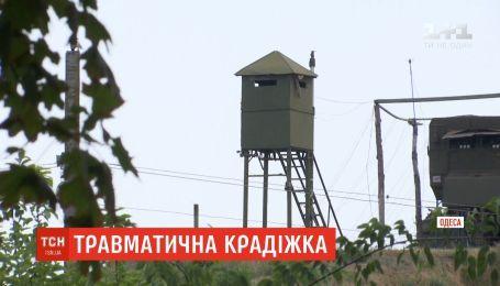 На территории боевого зенитно-ракетного комплекса задержали вора - его сообщники бежали