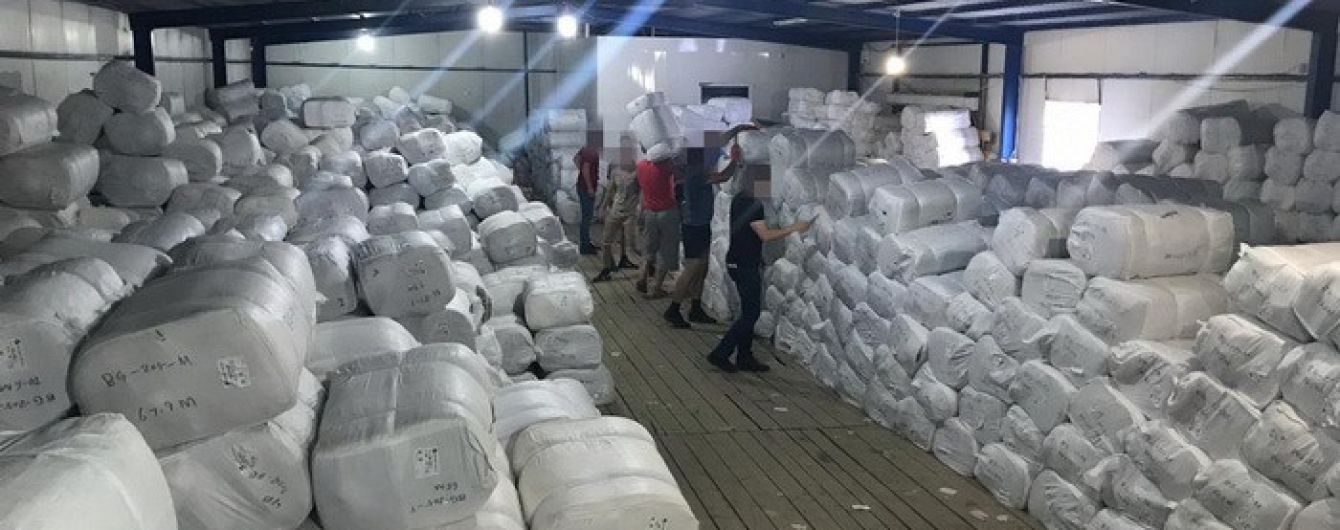 СБУ перекрыла самый масштабный в истории Украины канал контрабанды текстиля из Китая