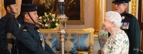Ах, який образ: 93-річна королева Єлизавета II в новій сукні на приватній аудієнції