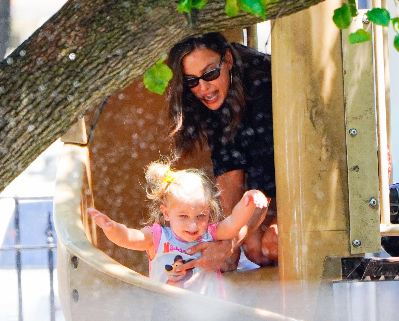 Ірина Шейк з дочкою