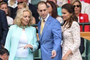 У відтінках бірюзи: 74-річна принцеса Майкл Кентська продемонструвала розкішний образ