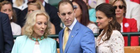 В оттенках бирюзы: 74-летняя принцесса Майкл Кентская впечатлила роскошным образом