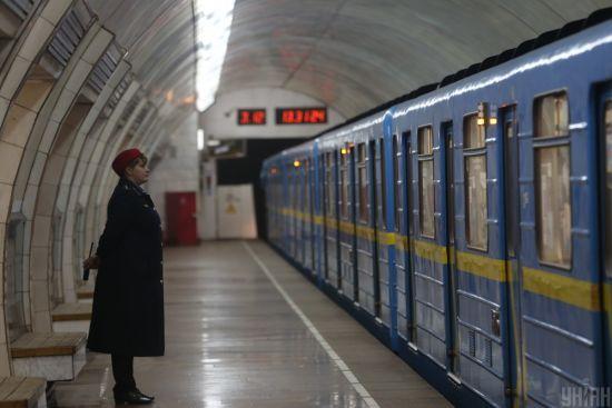 У Києві паралізовано рух червоною гілкою метро