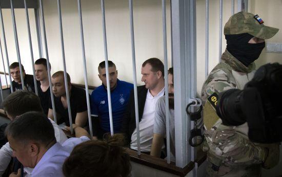 Суд у Москві залишив за ґратами усіх 24 полонених українських моряків