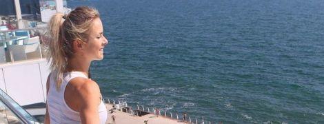 Світоліна поніжилася під українським сонечком і показала свої ніжки