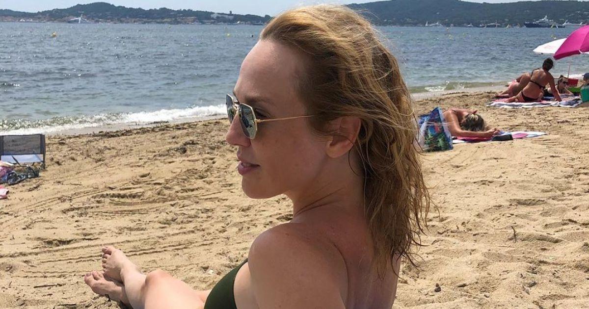 Джанабаєва у купальнику похизувалась стрункими ніжками