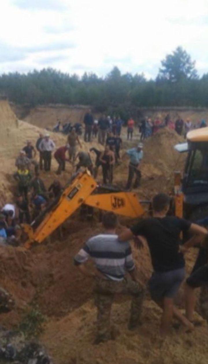 10-річного хлопчика, якого шукали під завалами піску, знайшли мертвим