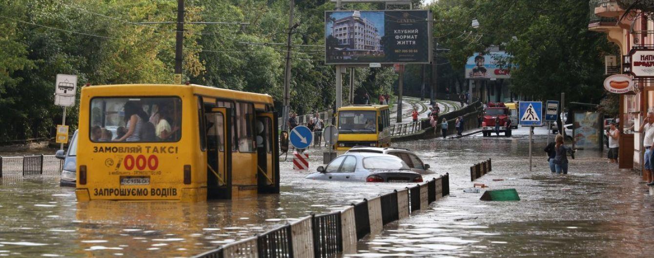 Машины-амфибии: почему в городах после дождей затапливает улицы и кто отвечает за водостоки