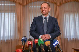 Бессмертный заявил о намерении обжаловать отмену депутатской неприкосновенности в Конституционном суде