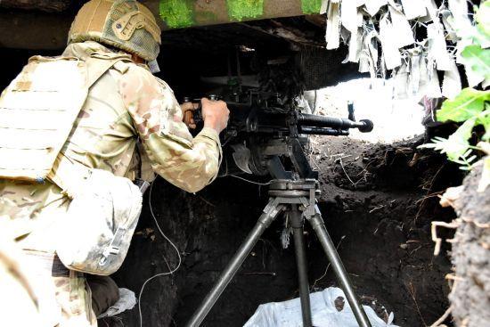 Бойовики продовжують обстріли, обійшлося без втрат. Ситуація на Донбасі