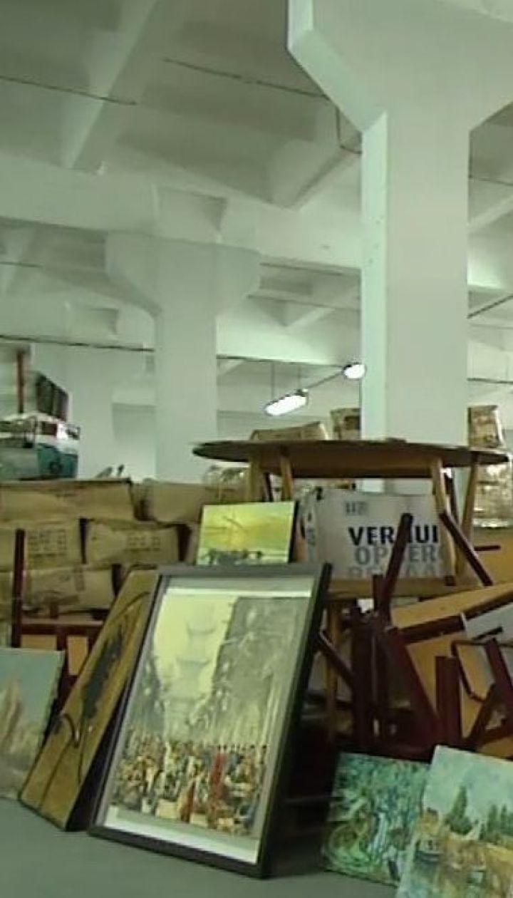 Киевские таможенники остановили партию картин, которую нелегально пытались ввезти в Украину