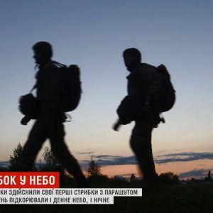 Новобранців на Житомирщині змусили стрибати вночі з парашутом