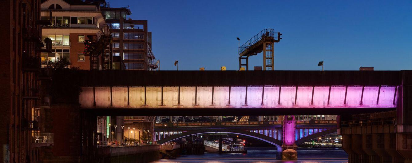 Мосты через Темзу стали арт-проектом