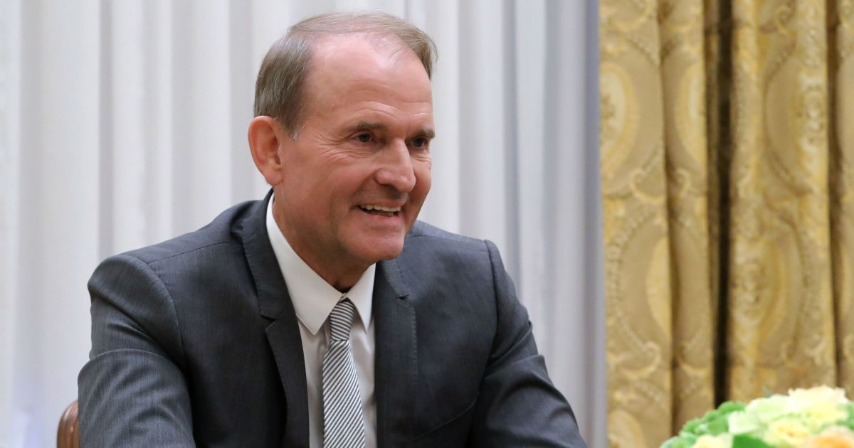 Зеленский подписал указ о введении санкций против Медведчука и его окружения: официальные документы