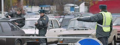 Российский полицейский похитил начальника, чтобы снять его в порно