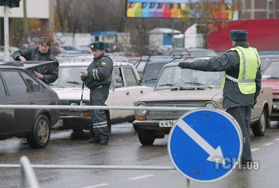 Російський поліцейський викрав начальника, щоб зняти його в порно