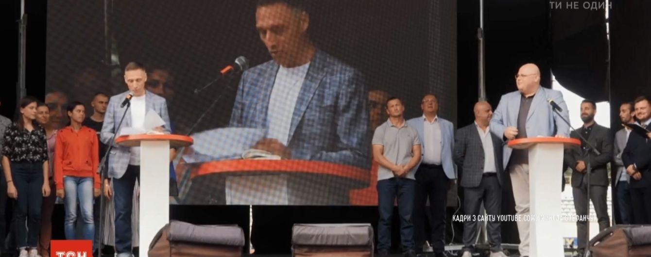 Стадионные дебаты: тренд президентских выборов попытались подхватить выдвиженцы в нардепы