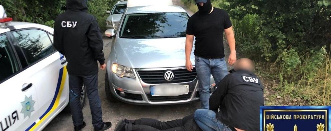 На Вінниччині затримали двох поліцейських за понад 50 випадків хабарництва