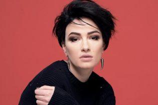 На певицу Анастасию Приходько напали во время концерта