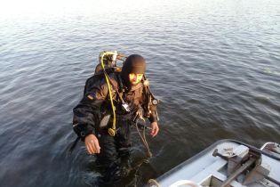 В Киеве на Гидропарке из реки вытащили утопленника