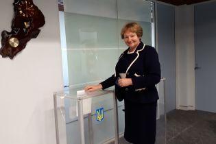 Украинцы Австралии первыми в мире начали голосование на парламентских выборах
