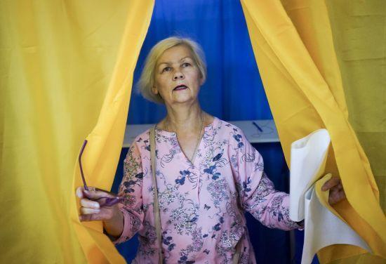 """""""Слуга народу"""" і партія Медведчука нарощують підтримку. ЦВК підрахував 35% протоколів"""