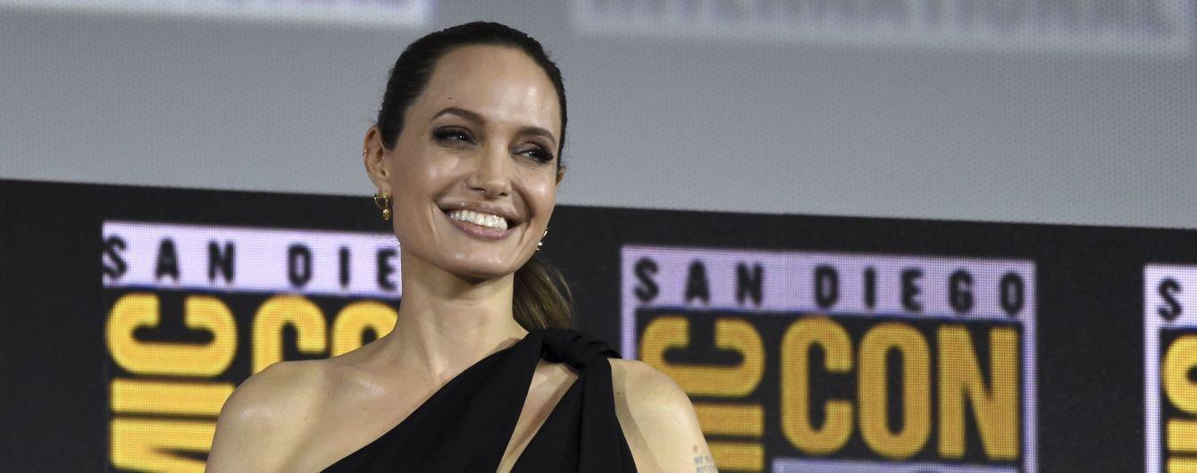 Цветущая Анджелина Джоли подтвердила, что присоединилась к киновселенной Marvel